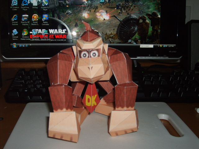 Donkey Kong Papercraft by AUSTINMEADOWS