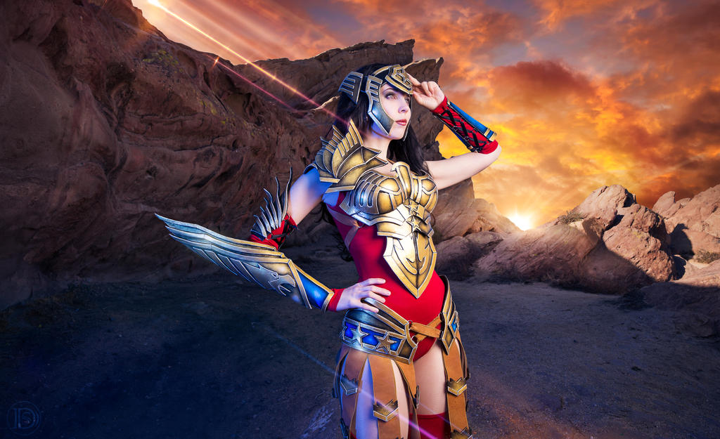 Wonder Woman - Watch out! by KamuiCosplay
