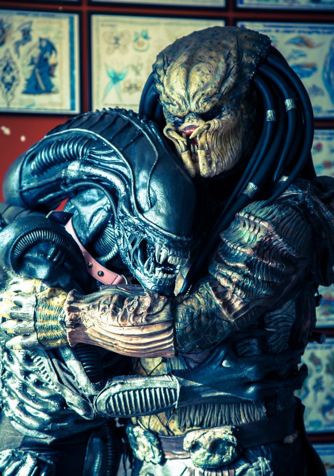 Alien Loves Predator by PedroTpredator