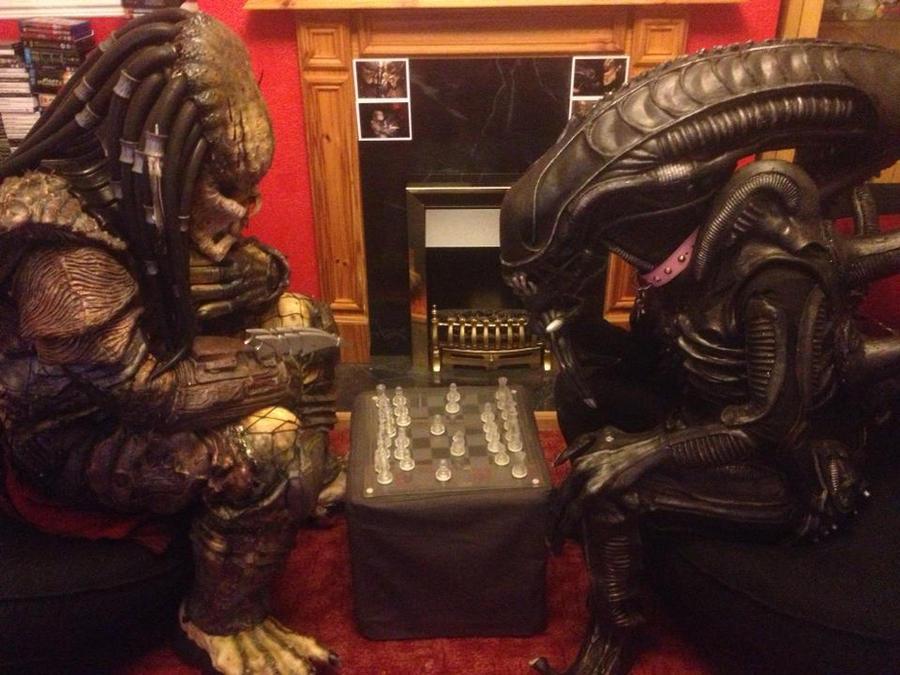 Alien vs Predator British Style by PedroTpredator