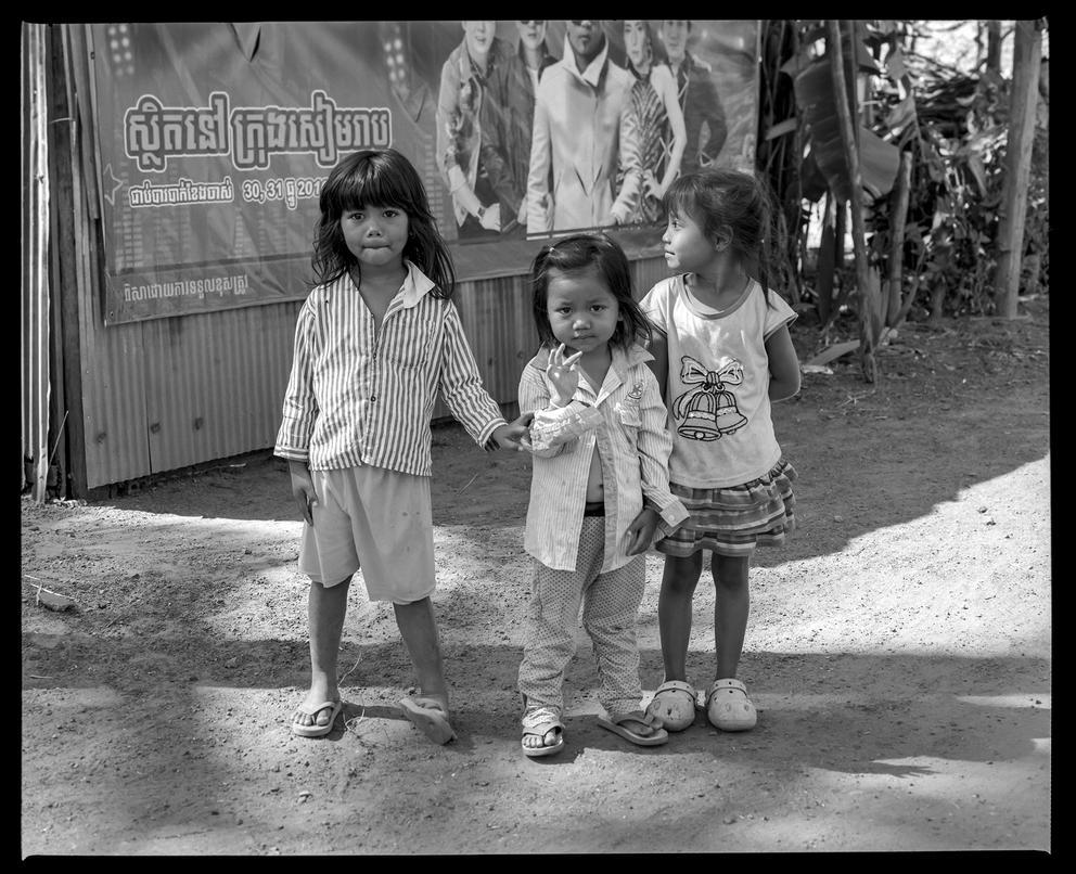 Preah Dak Morning Crew by Roger-Wilco-66