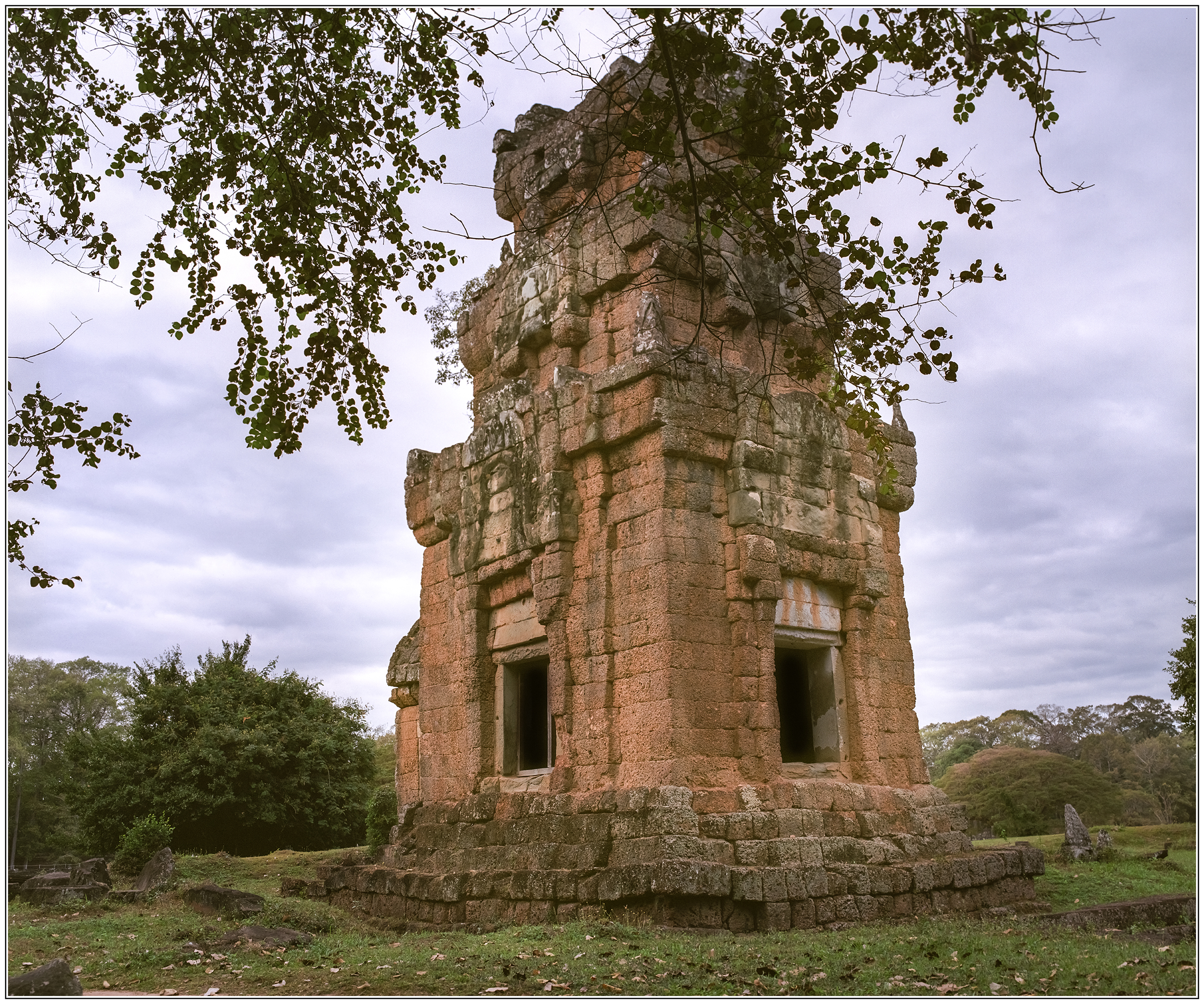 Prasat South Kleang #1 by Roger-Wilco-66