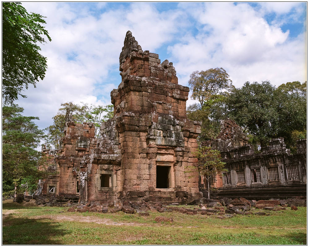 Prasat South Kleang #4 by Roger-Wilco-66