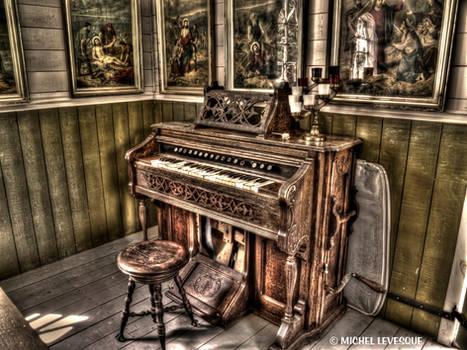 Antique Organ HDR