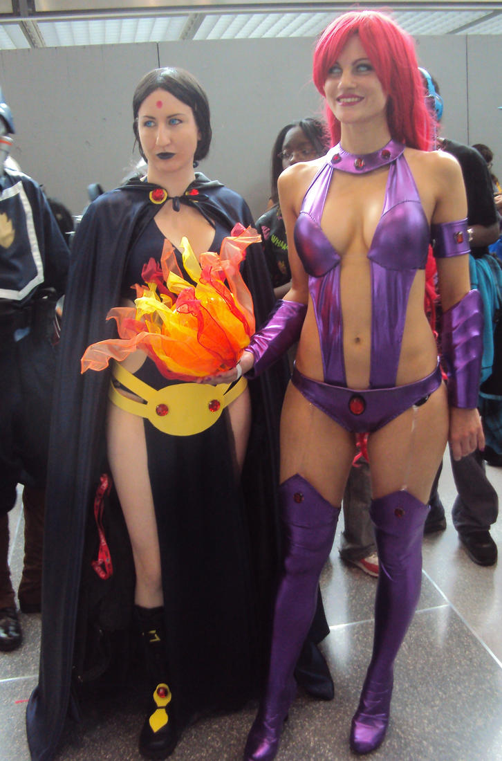 NYCC 13 Raven And Starfire Cosplay By PanicPagoda