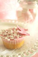pink n white by ZaLita
