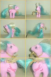 G1 Moon Jumper as a Flutter Pony.