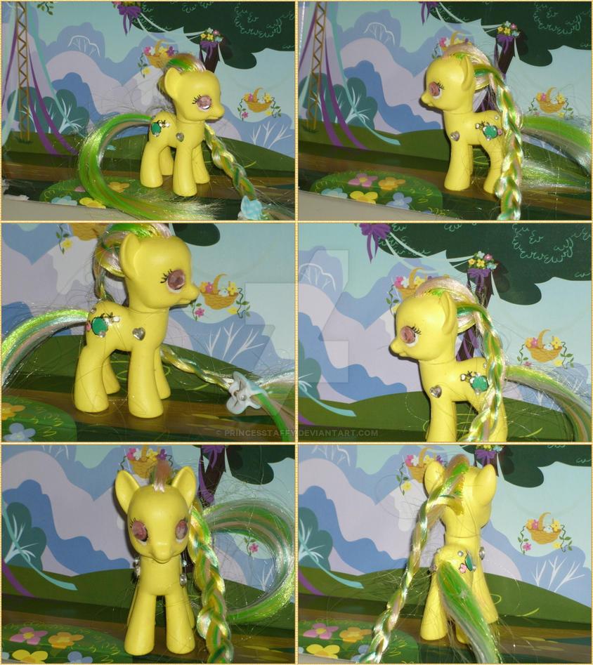 Applebee2 by PrincessTaffy