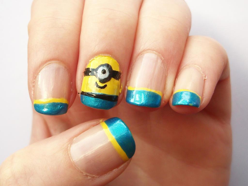 Minions Nails - Despic...