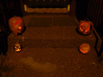 2011 Jack-o-lanterns lit up by TNHawke