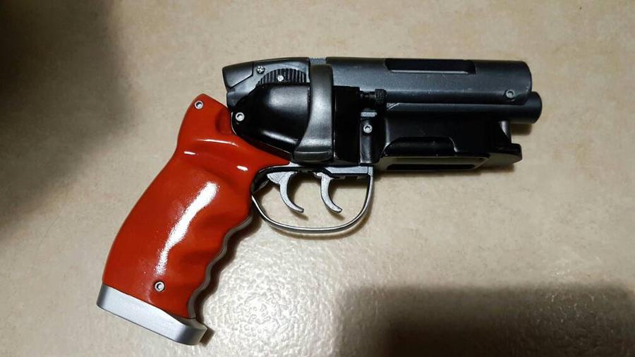Blade runner blaster by janzu77