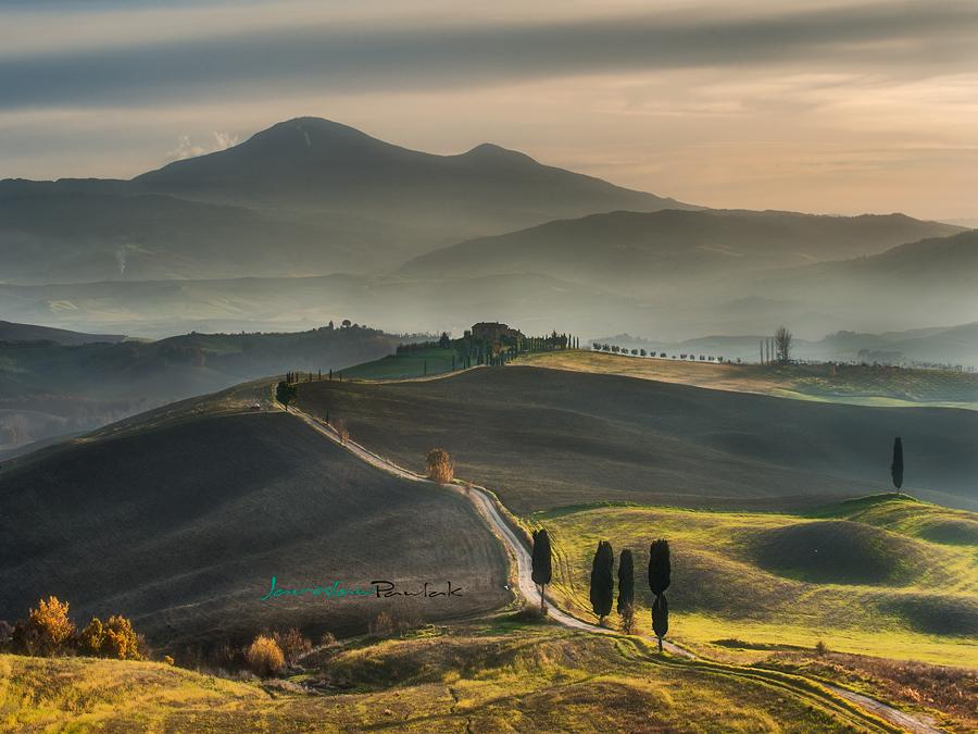 Walking on Tuscany roads by JPawlak