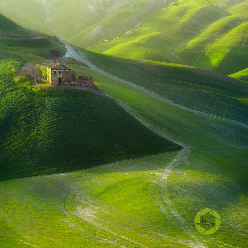 Farmhouse.../Tuscany, Italy by JPawlak