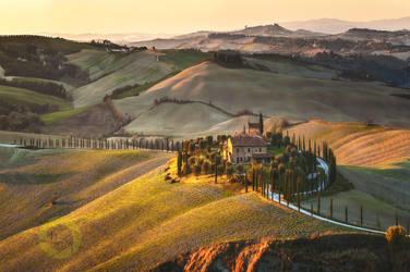 House of the setting sun / Crete Senesi, Tuscany by JPawlak