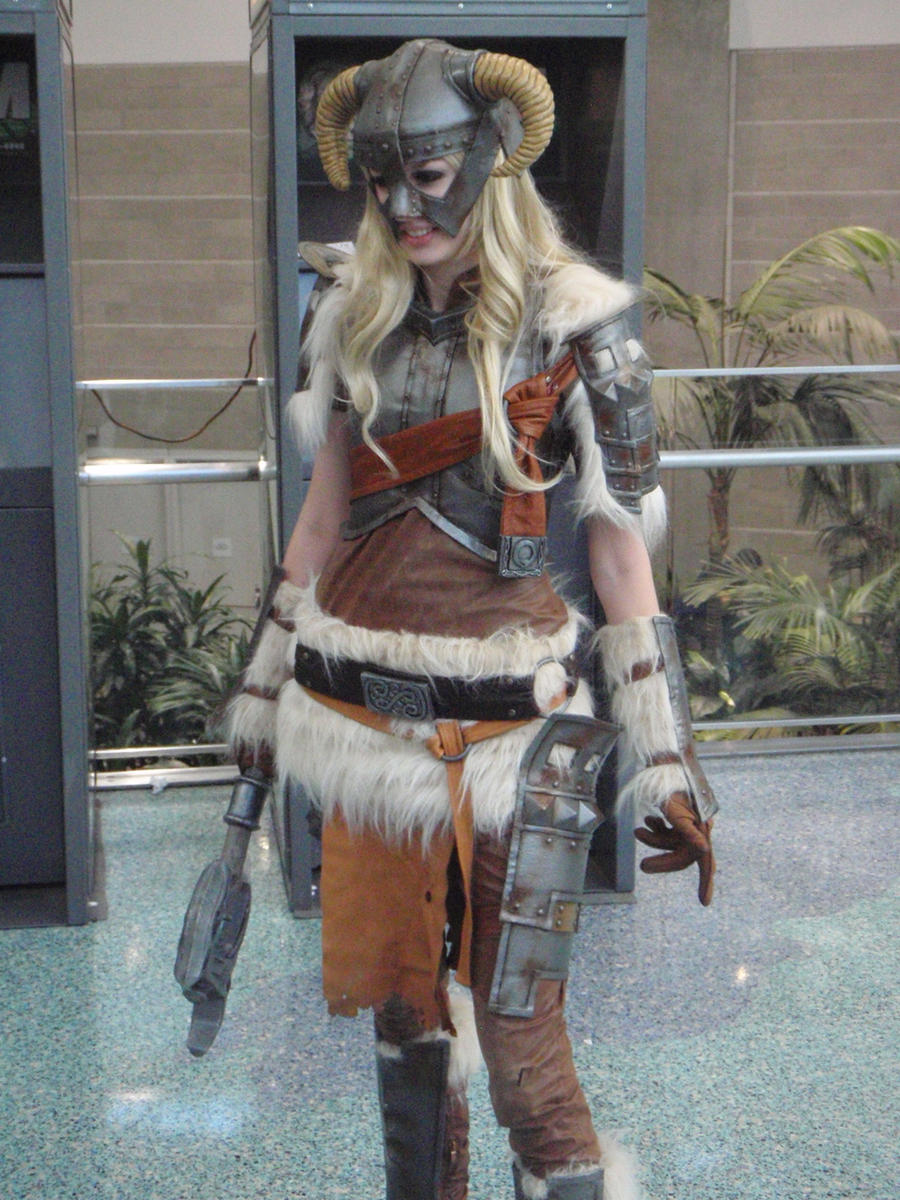 Skyrim Cosplayer by stormx6