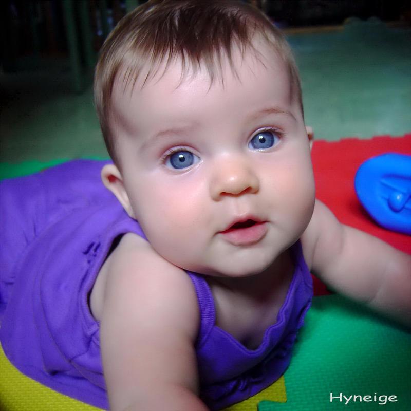pin bebe metisse le monde des bebes froblog on pinterest. Black Bedroom Furniture Sets. Home Design Ideas