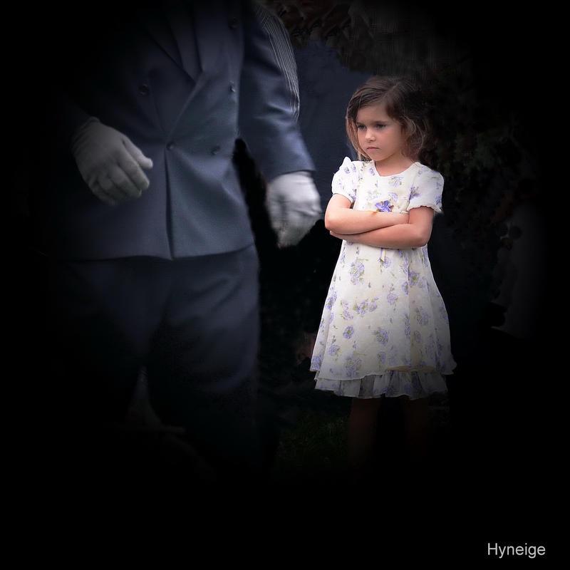 L'Enfant au Cimetiere by hyneige