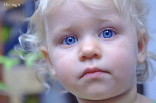 Des yeux si bleus