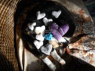 Glitter and a few little heart pillows by Dassi121