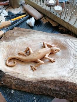 Lizard wood carving