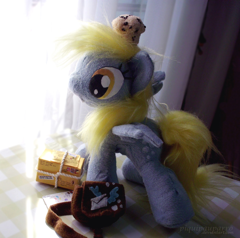 Talking Derpy-  the Air Mail pony by Piquipauparro
