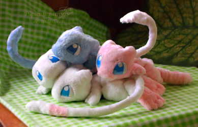 Mew friends - Handmade plushies by Piquipauparro
