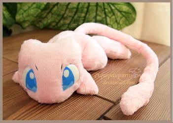 Mew - Handmade plushie by Piquipauparro