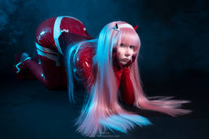 DARLING in the FRANXX - Zero Two Cosplay Commision