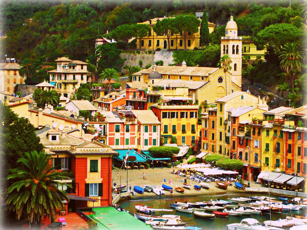 Porto di Portofino by JackArgetlam