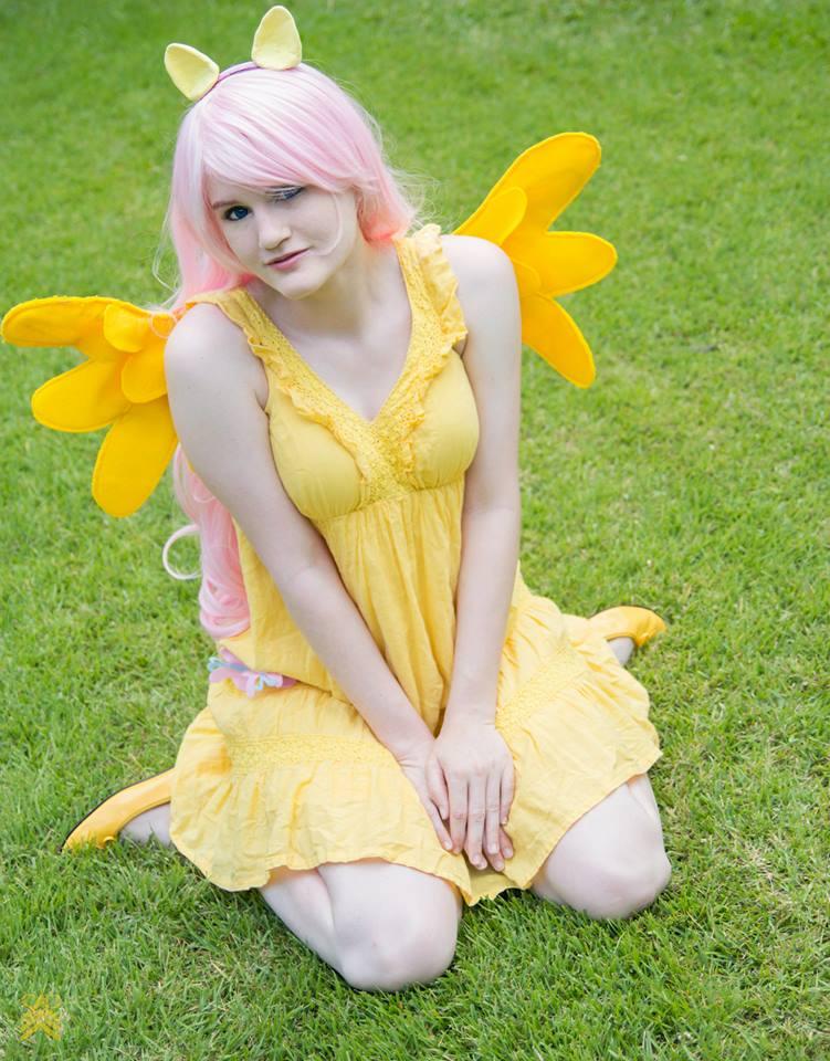 Fluttershy Cosplay by AkemiYukimura