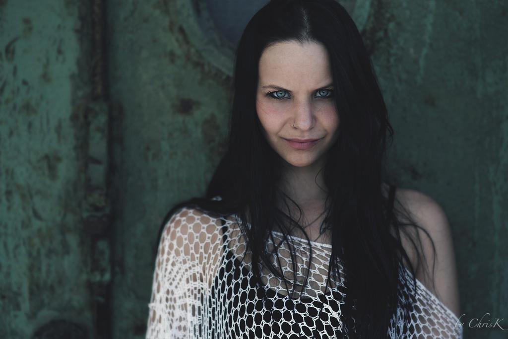 Larissa III by ChrisK-photo