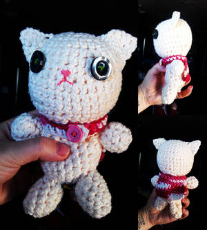 Amigurumi Kitty With a Cape