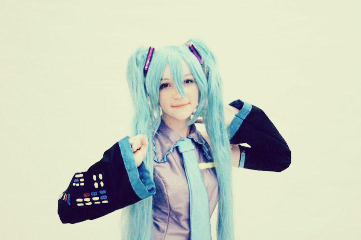 [Resim: miku_cosplay_by_tessumomo-d4db7e8.jpg]