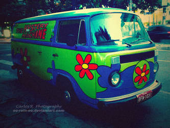 The Mystery Machine by oO-Rein-Oo