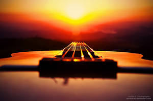 Glowing Strings by oO-Rein-Oo