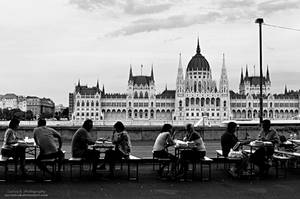 Chilling Out In Budapest by oO-Rein-Oo
