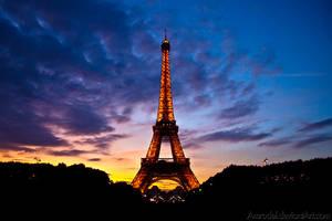 Eiffel Tower by amrodel