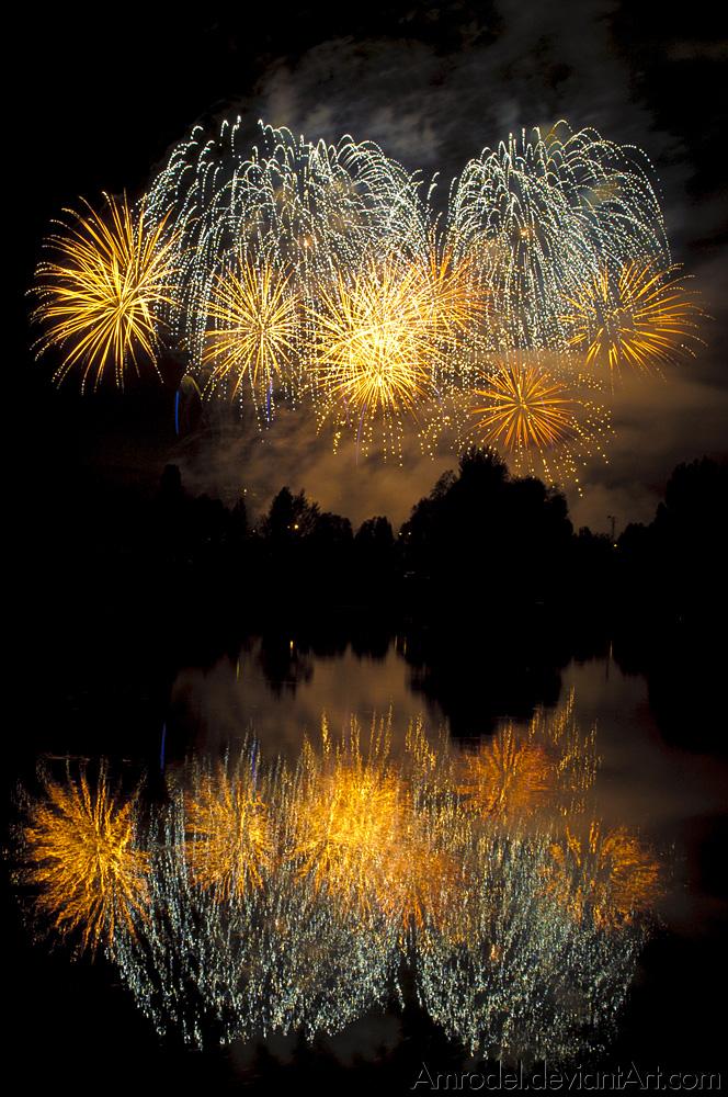 Fireworks I by amrodel