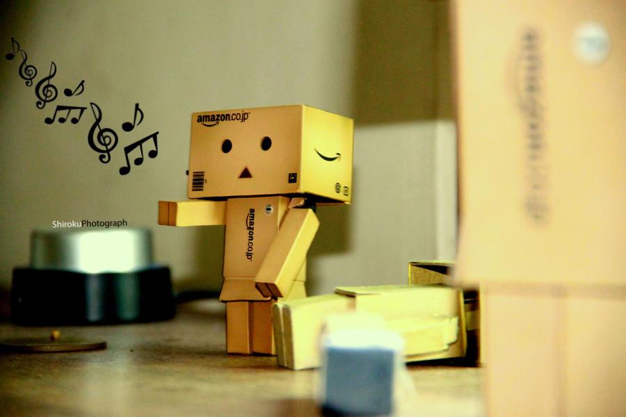 Music Danbo by microshiroku