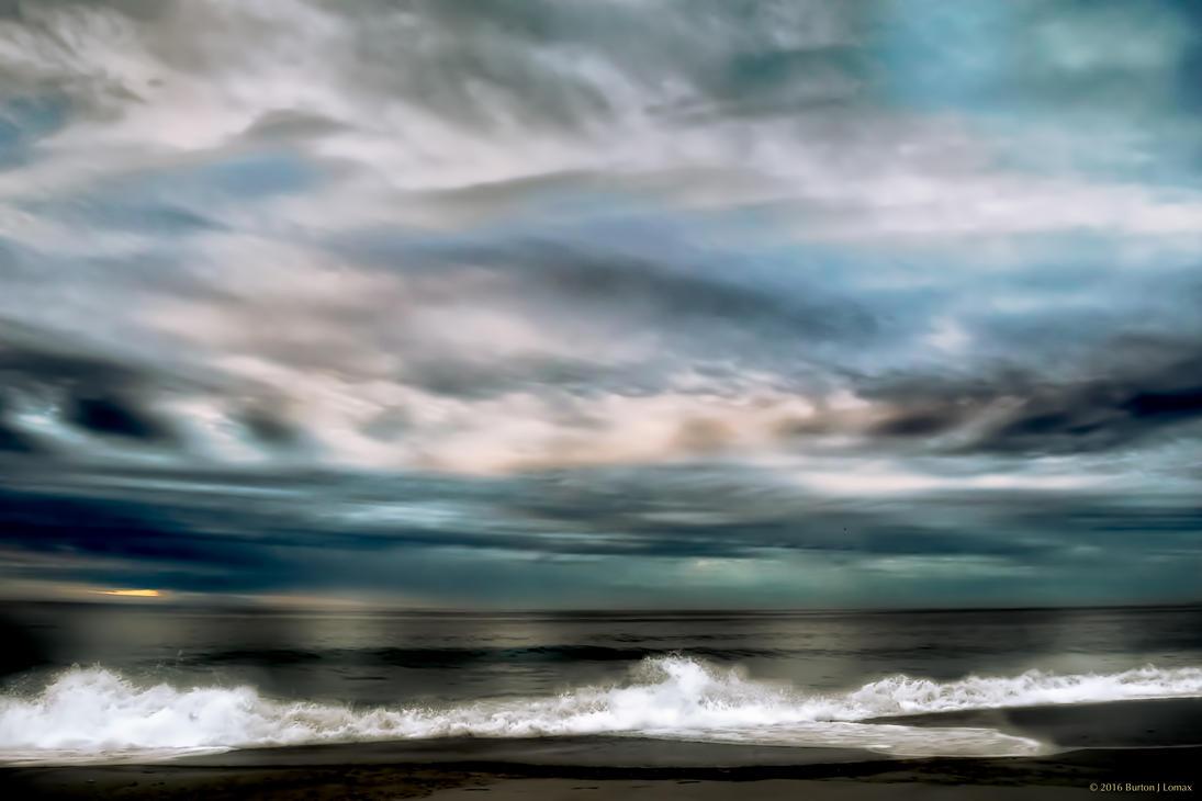 Ocean_Sunrise_02.jpg by BurtonJLomax