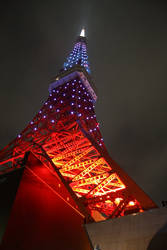 Tokyo Tower by KaZzu