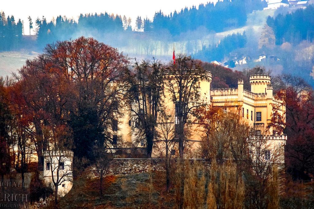 Schloss Wolfsberg by schiller142
