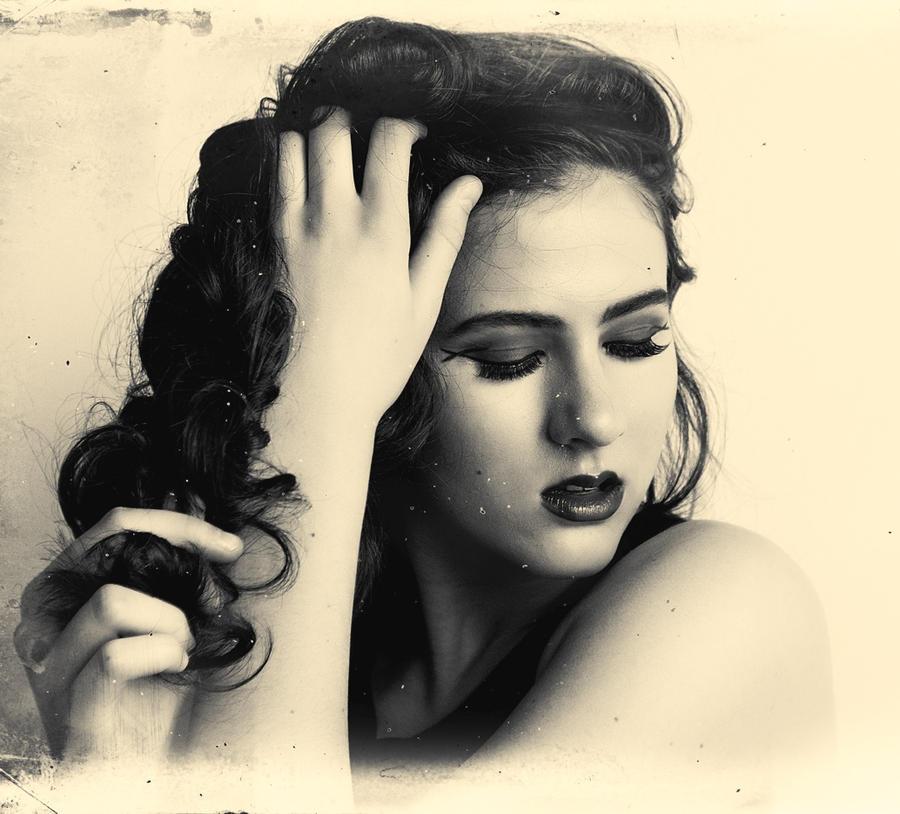 Julia by editingninja