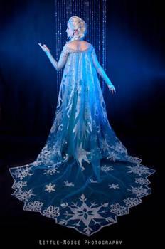 Elsa- cape