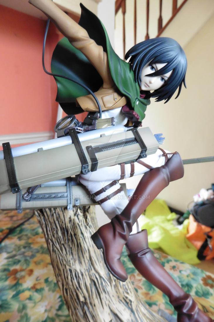 Mikasa Ackerman by Robie-Chan