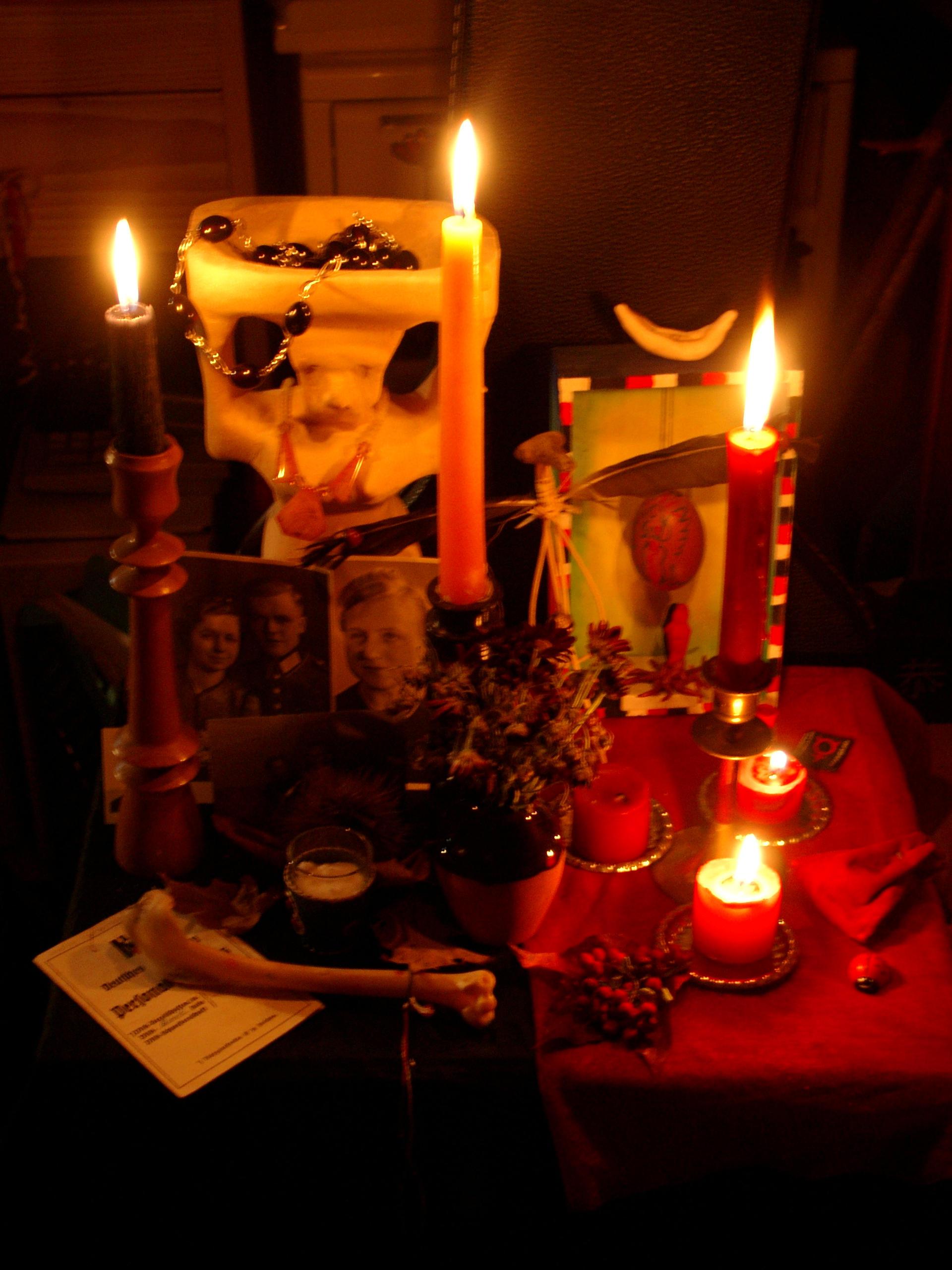 samhain altar by sostrange
