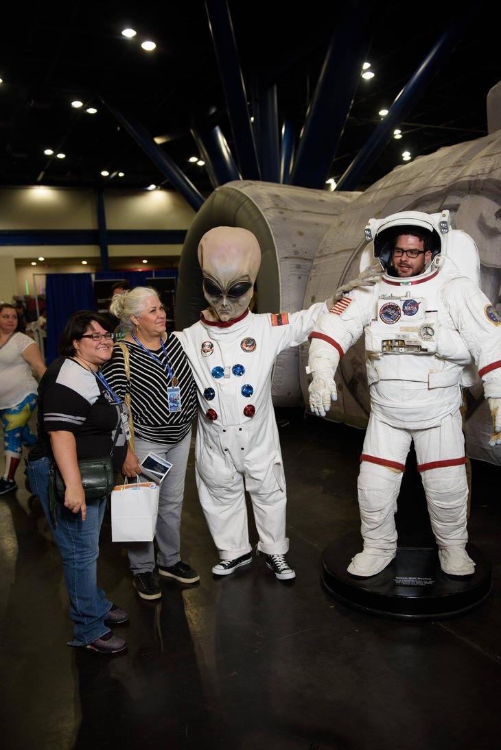 Bothering NASA by surlana