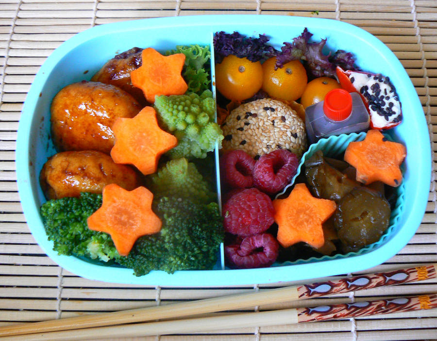 8th Bento by chaosqueen122