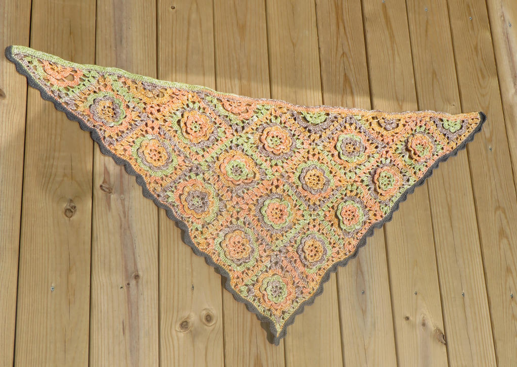 Summer Shawl by Nerds-and-Corsets