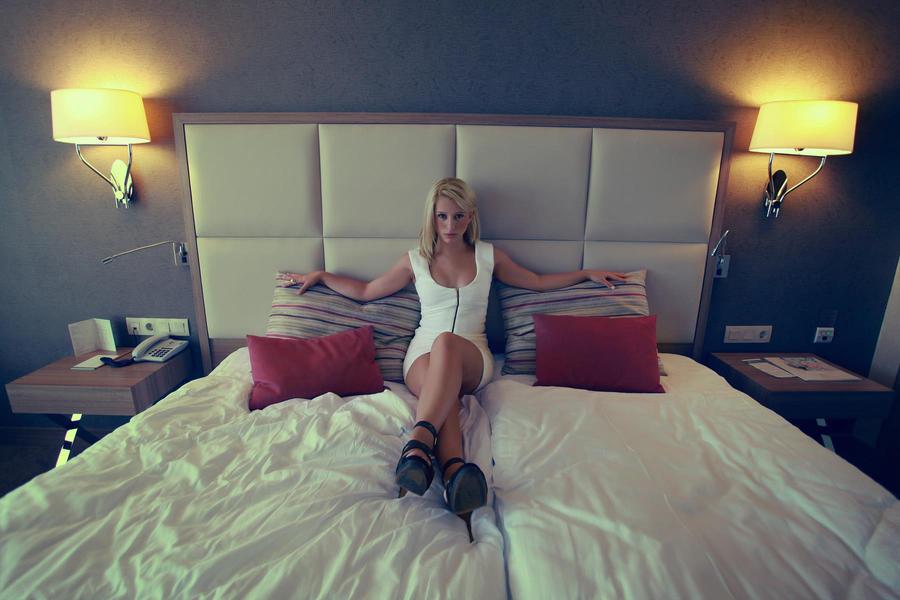 Room No:1006 by EmreKaanSezer
